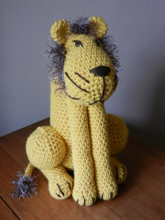 Amigurumi Mane : Crocheted Lion with Furry Mane