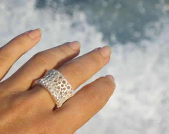 Fairmined premium silver,Fairmined ring silver,Ethical Jewellery, White silver, Anti allergic silver, Foam design,Aquatic ring,Marine Textur