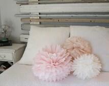 Tissue paper pom poms, bridal shower decorations, baby shower decorations, girl baby shower decorations, vintage wedding, pompoms, pom pom