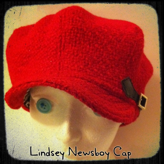 Medium upcycled 'Lindsey' Newsboy Cap wool-polyester blend red bouclé with black and white print cotton lining: Medium / 22.5""