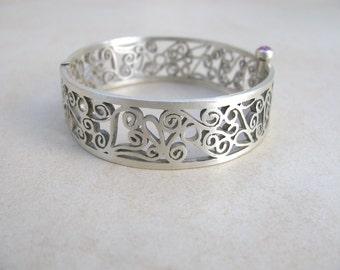 Sterling silver Bracelet, filigree bracelet, ethnic jewelry, silver bangle, ruby gemstone, moroccan inspiration, filigree jewelry