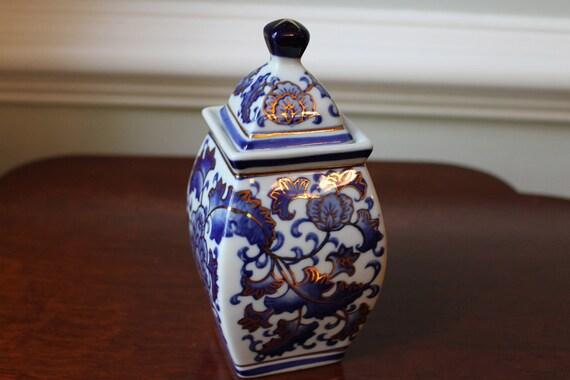 Small porcelain ginger jar