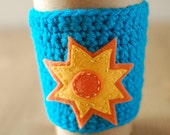 Coffee cozy: Summer Sunshine and blue skies by The Cozy Project