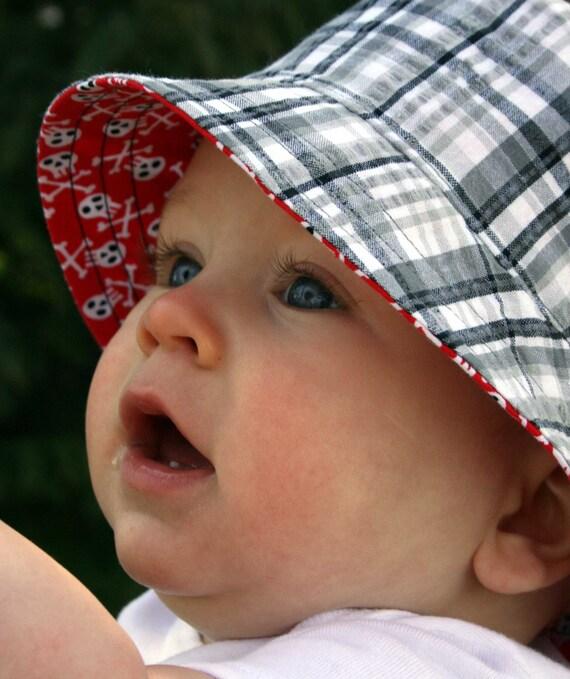 reversible children's bucket hat, 4 sizes, pirate plaid