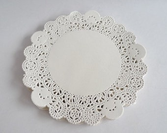 250 French Lace Paper Doilies - Doily - 5.5 inches diameter - Cream Color