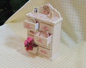 Chest of Drawers with Accessories