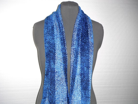 Handwoven Scarf in Bamboo, Rayon and Linen (831)