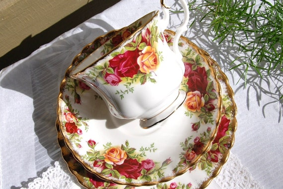 ROYAL ALBERT Old Country Roses Red and Yellow Tea Cup, Saucer and Plate,  Tea Trio, England