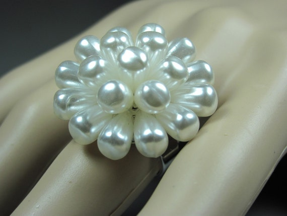 Cocktail Ring Pearl Cluster Ring Statement Ring Vintage Ring Costume Ring Adjustable Ring Women Jewelry Gift Upcycled Jewelry Repurposed