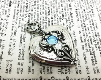 Dayea Heart Locket Aged silver plated brass filigree pendant Fantasy mythology inspired jewelry Vintage victorian steampunk gothic