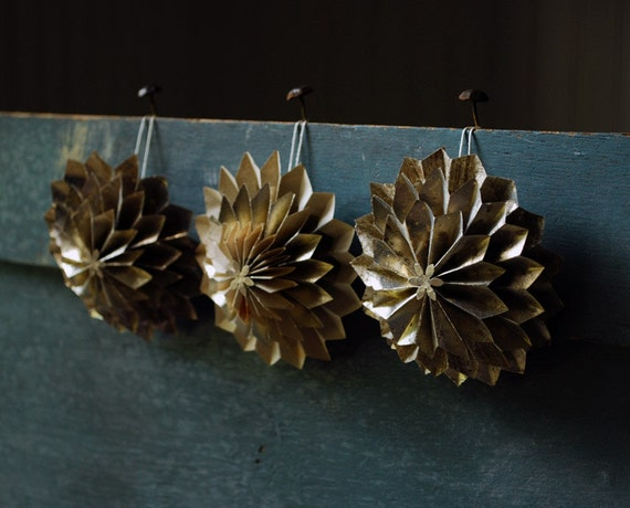 Silver Holiday Special - Gift Set, Paper Flowers, Anniversary Gift - Silver Wedding, Silver Dahlias,3 Holiday Origami Flower Ornaments
