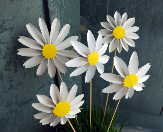 Aster Daisies, Daisy Paper Flowers, Origami Flowers to add to a Bouquet - Free shipping