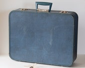 Vintage Blue Monarch 20-inch Hard-Sided Locking Suitcase
