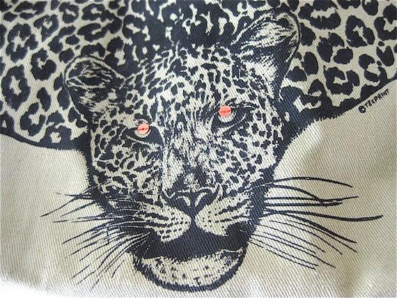 FIERCE  Zipper Pouch Sequined eyed Leopard KENYA