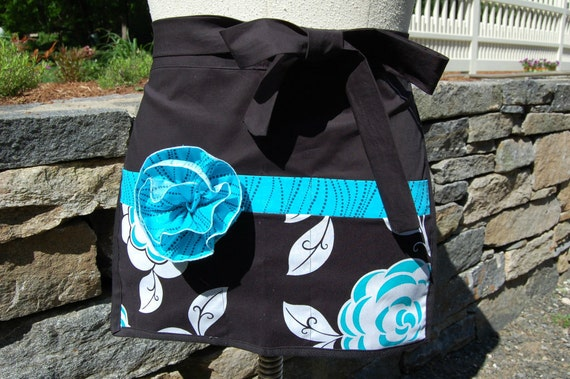 Half apron with flower, black white and blue print, waitress, vendor, craft, nurse or hostess gift