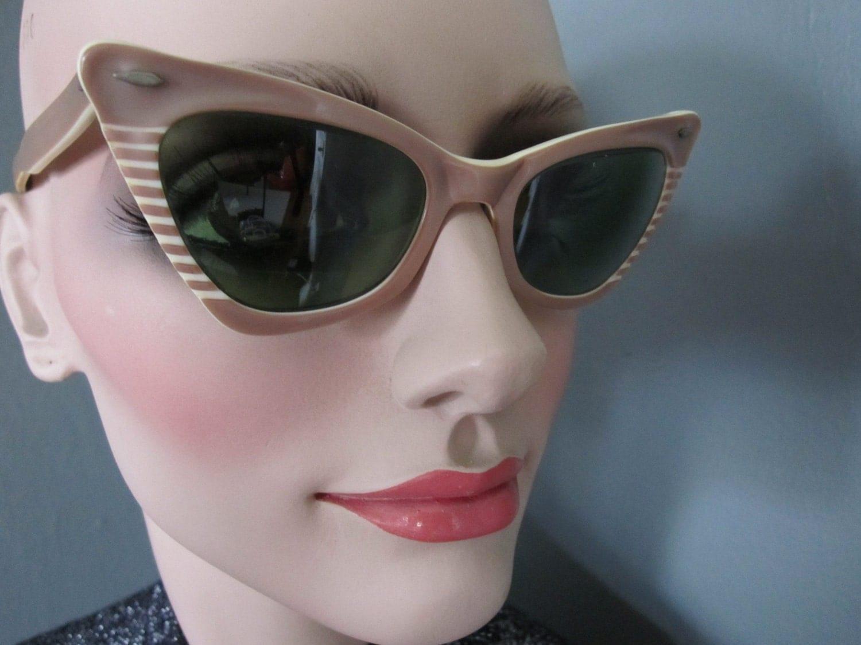vintage 1950 60 39 s cat eye ray ban sunglasses. Black Bedroom Furniture Sets. Home Design Ideas