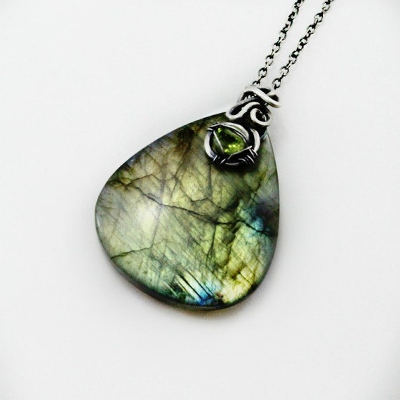 """ON HOLD Flashy labadorite and sterling silver pendant on a 20""""  925 silver chain"""