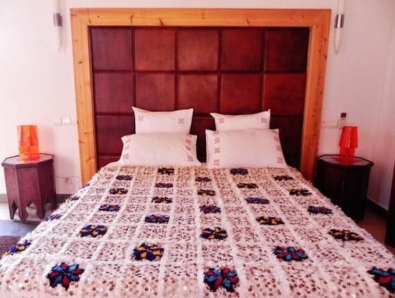 berber moroccan wedding blanket called handira