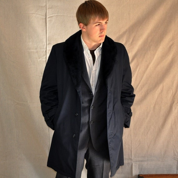 Faux Fur Trench 38. Mens Vintage Navy Overcoat w/Faux Fur Collar Small / Medium 38R. Eveteam