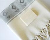 Elegant BATH Towel, Eco-friendly Handwoven Turkish Peshtemal, Kilim, Gray