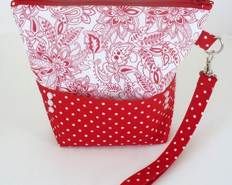 Quilted wristlet in red and white paisley floral with zipper closure - Christmas Gift