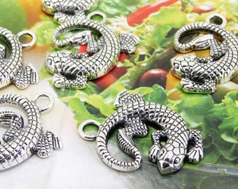 6 Beads--- Charm Gecko  Pendant  Link  Beads Silver Plated Filigree Findings Metal Connector Link Beads 26mmx30mm 3L
