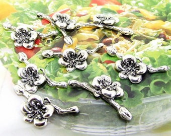 5Beads--- Charm Branch Plum Blossom Pendant  Link  Beads Silver Plated Filigree Findings Metal Connector Link Beads 13mmx30mm 3L