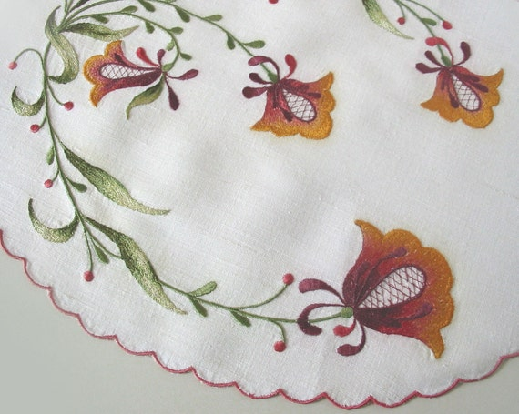 Embroidered Placemat - HAPPY LILIES - reserved for Lora