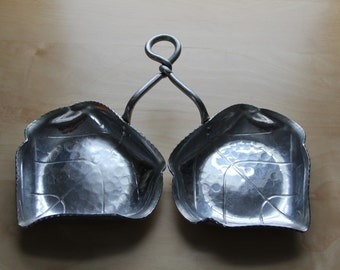 b.w. buenilum hammered aluminum double leaf tray