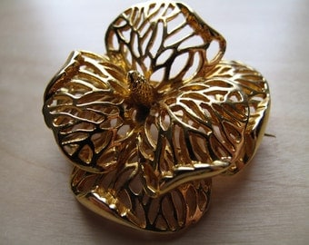 gold-tone hibiscus brooch pin