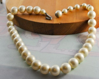 Faux Pearl Necklace Costume Jewelry, Vintage Jewelry