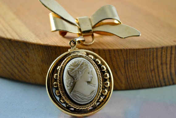 Cameo Pendant and Brooch Costume Jewelry, Vintage Jewelry