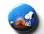 Snoopy and Woodstock, Roasting Marshmallows - PIN or MAGNET