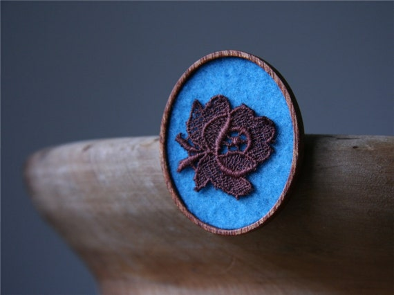 Chocolate Brown Vintage Lace Flower on Turquoise Felt Wooden Brooch, Lace and Mahogany Series