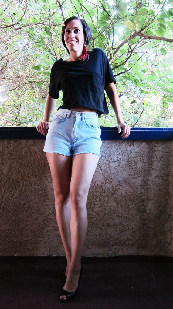 SALE Vintage Womens High Waist Chic Light Blue Jean Shorts size 26