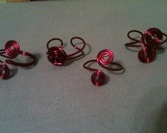 Dark pink toe ring set