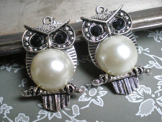 Owl Earrings, Pearl