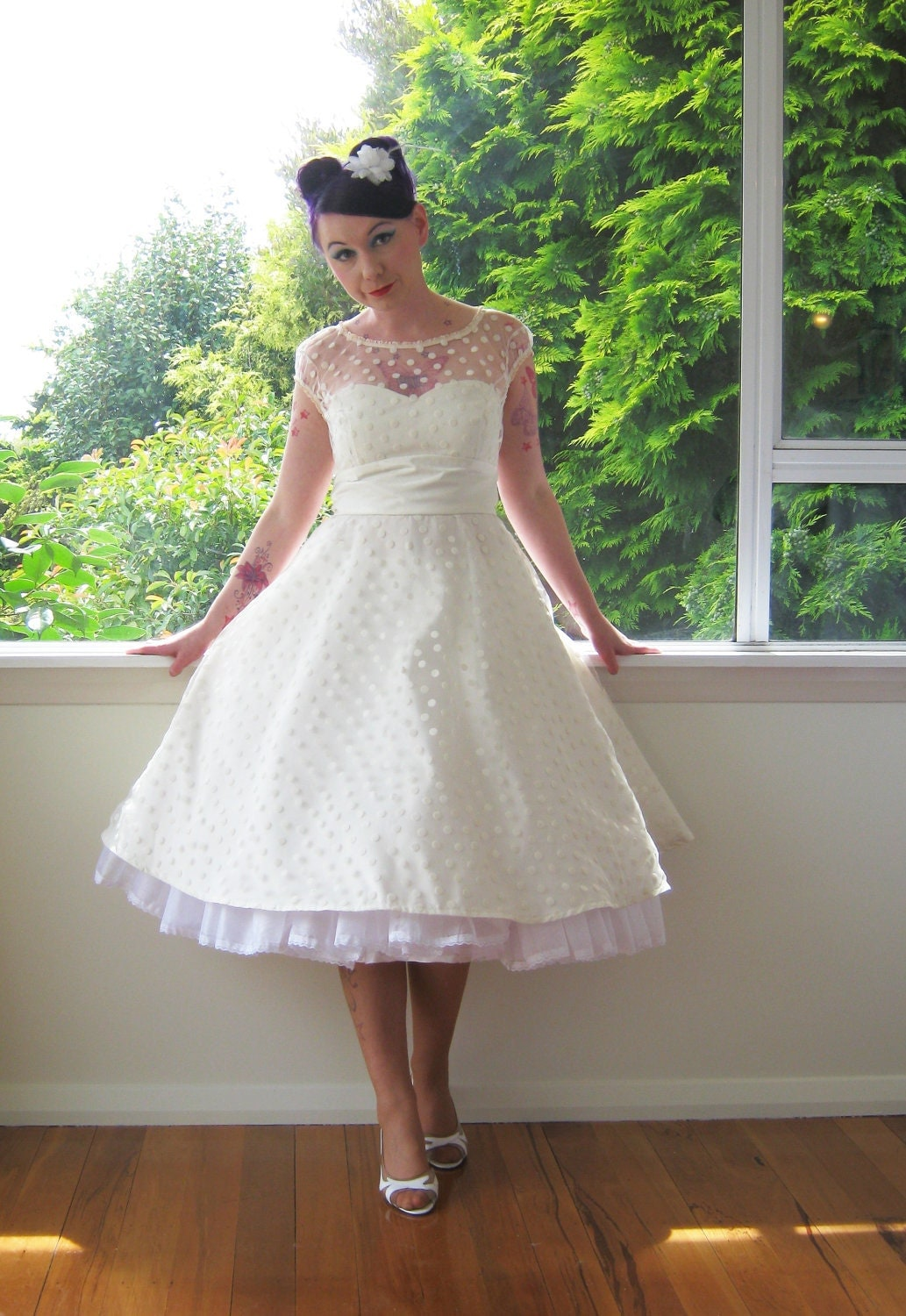 1950 39 s style ivory wedding dress with polka dot overlay for Wedding dresses pin up style