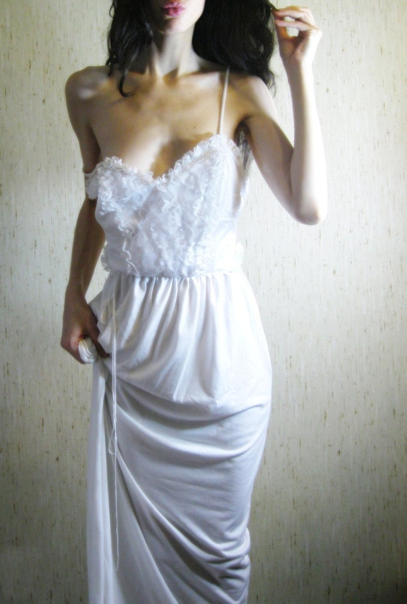 poet - vintage 60s revived lovely white organic cotton bamboo ruffled lace maxi dress
