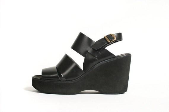 """Vtg. 90s Platform Wedge Black Leather Strappy Sandals. Rad 4"""" Heel. Quality. Size US 9"""