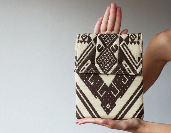 iPad 2 or 3 case. ipad bag. ipad cover. ipad sleeve. Tribal geometric ornament print zigzag unisex milk and chocolate