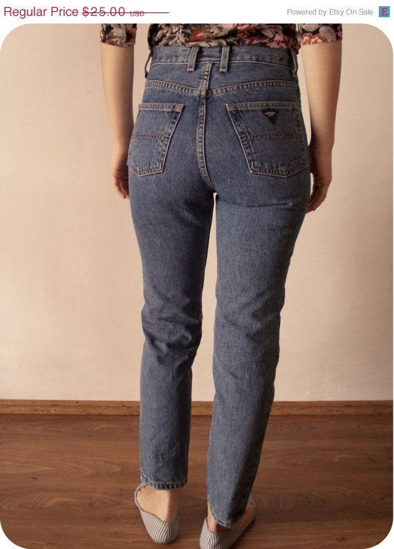 Find the latest and trendy styles of high waisted jeans at ZAFUL. We are pleased you with the latest trends in high fashion high waisted jeans.