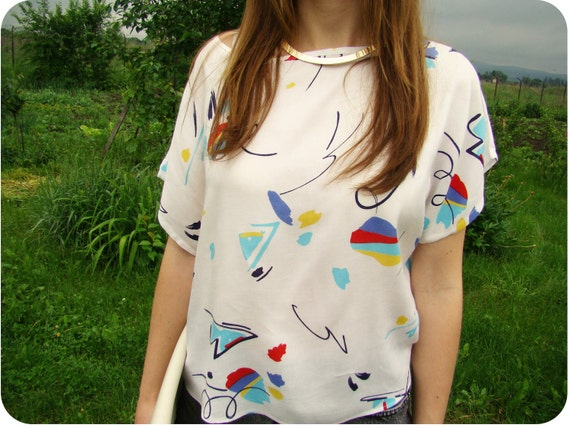 VTG 1980's Abstract swatches Print White Women Blouse/Crop TOP