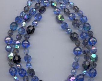 Fabulous 3-strandchunky  vintage Vogue necklace - glass and crystal beads in shades of blue