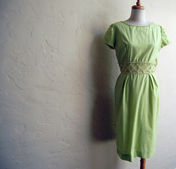 SALE-Super Cute Early 60s Mad Men Peggy Dress 28 waist