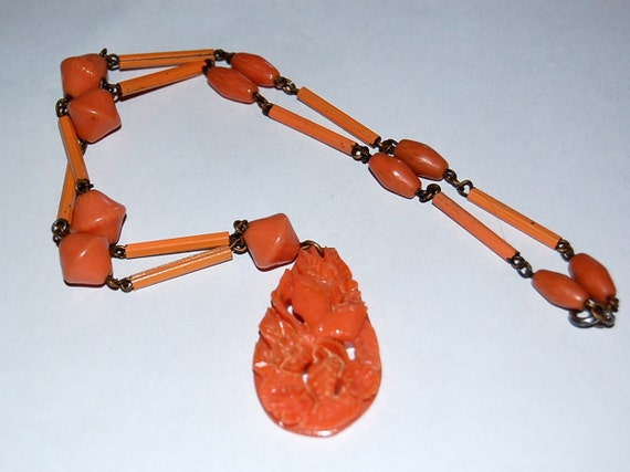 SALE-Lovely Art Deco 1930s Vintage Coral Celluloid Teardrop Necklace