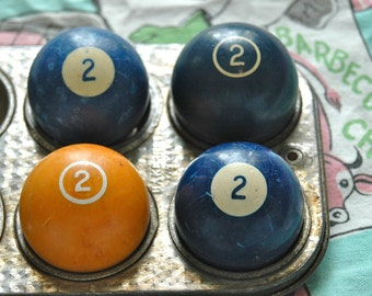 Number 2 Pool Ball