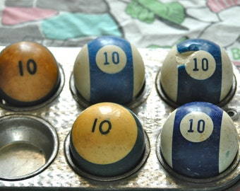 Number 10 Pool Ball