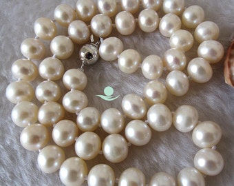 Pearl Necklace - 18 inch 9-10mm Ivory AA Freshwater Pearl Necklace - Free shipping