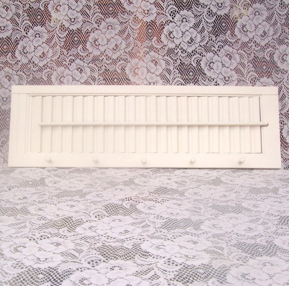 shutter shelf shabby chic heirloom white retro rustic upcycled vintage key rack peg rack coatrack paris apartment